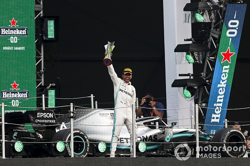VIDEO: El innovador podio del GP de México