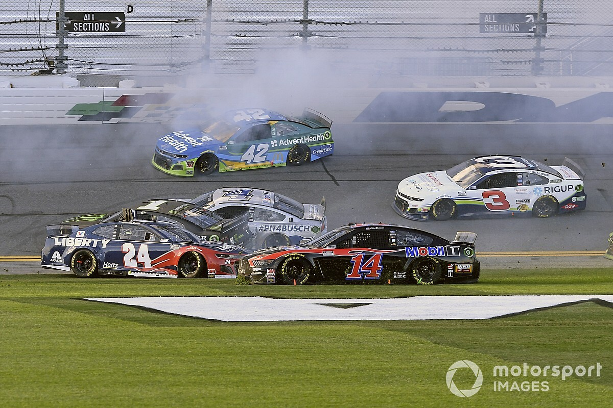 "Clint Bowyer: Daytona road course ""a crapshoot for everybody"""