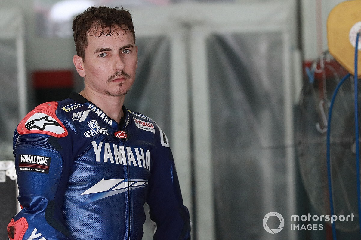 Lorenzo hits back at Crutchlow over test rider comments