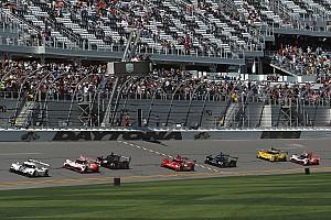 Mazda lidera en inicio en Daytona y Montoya en la pelea