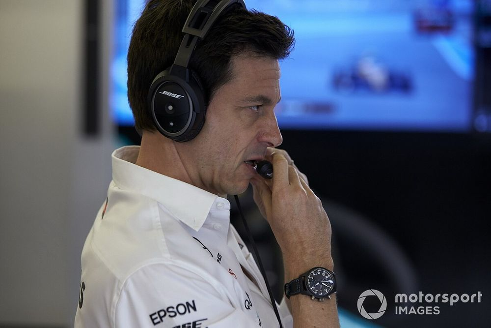 Wolff laughs off rumours of rift with new Mercedes CEO