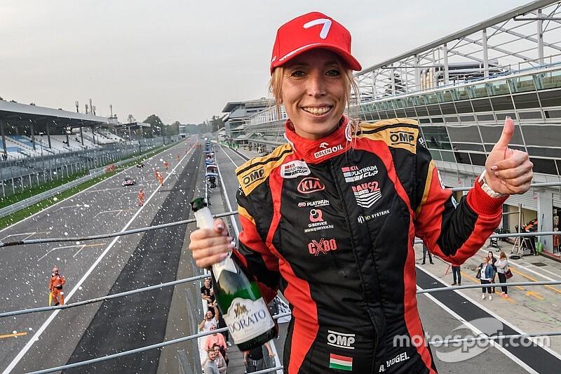 Vogel Adrienn élete autózásával utolsó helyről második lett