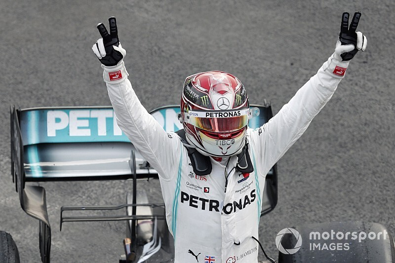 Hamilton-pole Abu Dhabiban, Mercedes 1-2!