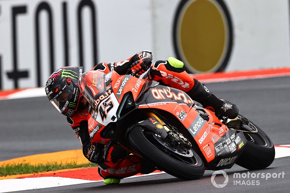 SBK, Estoril, Libere 1: Redding vola, Rea sesto