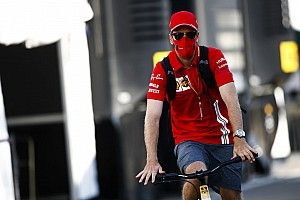 """Rossi: """"Heel jammer"""" dat Vettel zo bij Ferrari vertrekt"""