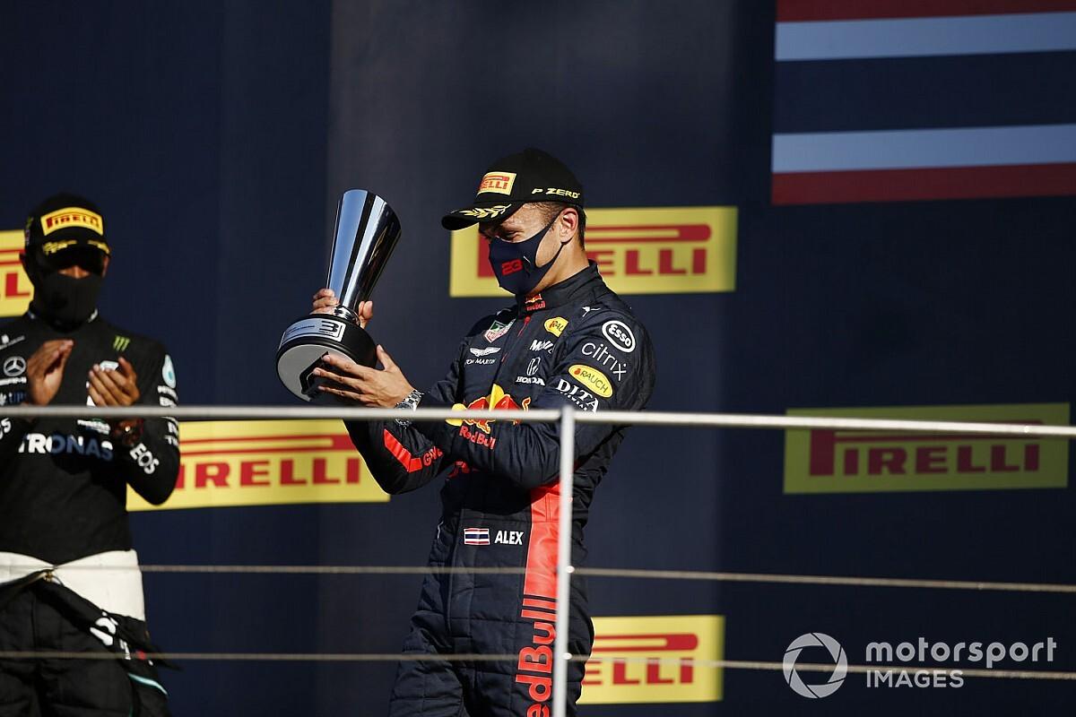 """Albon, tras su primer podio en F1: """"Siento que ahora puedo respirar"""""""