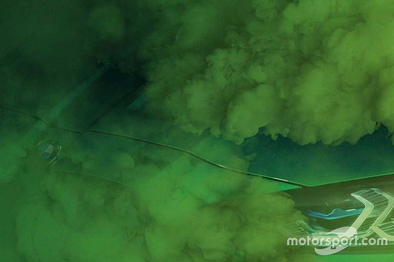 Zöld füstöt ereget a legújabb ízelítőkön az új M3-as BMW, de nem kell rosszra gondolni