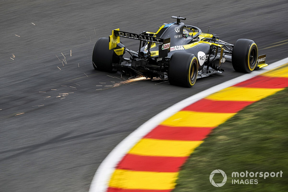 "Renault too fast ""for comfort"" at Spa, says Sainz"