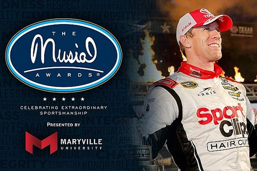 """Carl Edwards to receive sportsmanship award for """"pure class"""""""