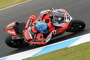 Melandri fastest, Rea crashes on first Phillip Island test day