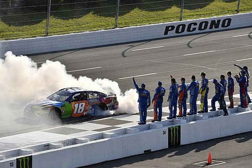Kyle Busch fends off Suarez for Pocono win