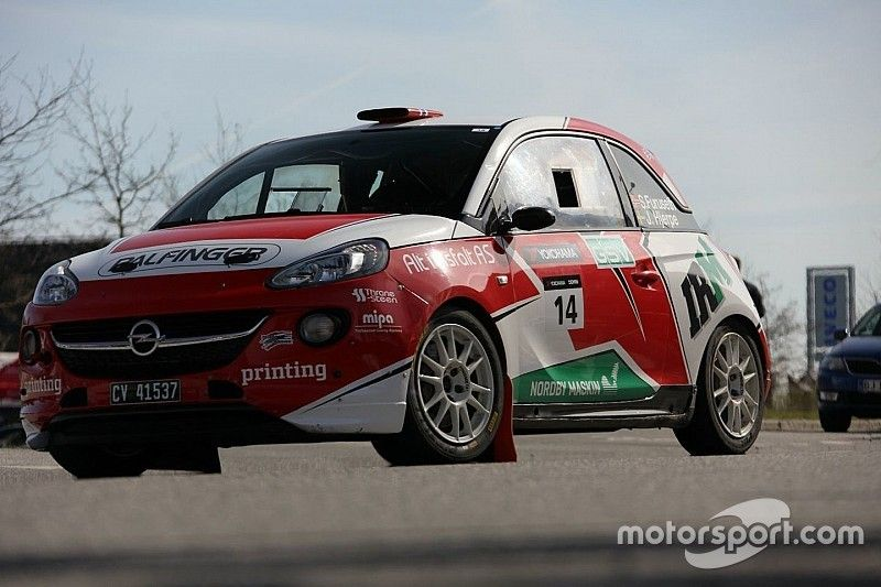 Sindre Furuseth punta all'ERC Junior U27 con la sua Opel Adam R2