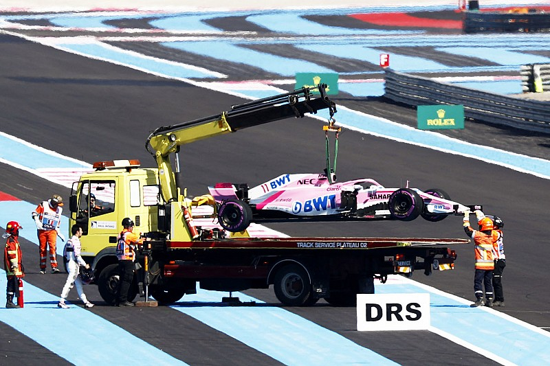 Force India наказали денежным штрафом за отлетевшее колесо на машине Переса