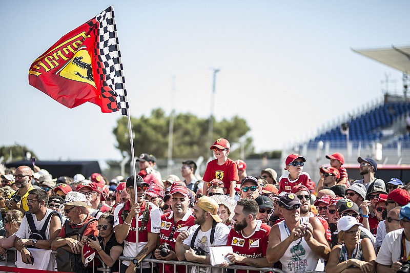 Болельщик пообещал засудить организаторов Гран При Франции после ожидания в пробке