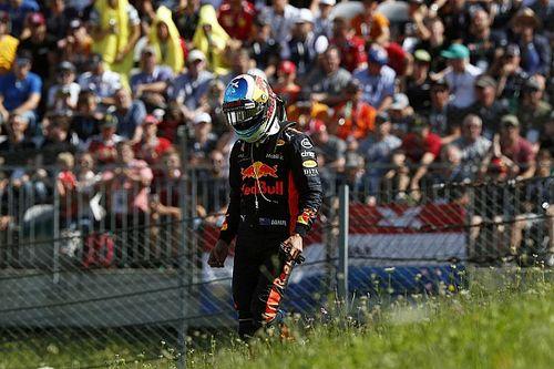Ricciardo'nun yarış dışı kalmasına egzoz sorunu sebep olmuş