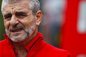 """Arrivabene esulta e bacchetta: """"Vettel un leone, Mercedes impari a perdere!"""""""