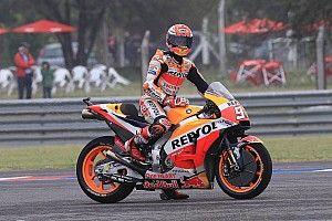 Márquez lideró un warmp up con piso mojado en Termas