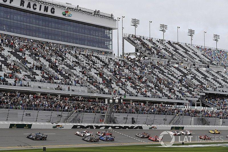 Alonso gana una posición en el arranque de las 24 Horas de Daytona