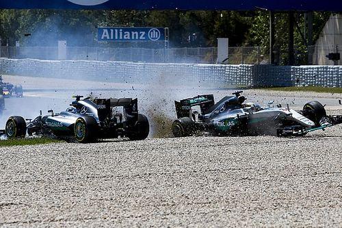 Ma 4 éve, hogy Hamilton és Rosberg kiütötte egymást, Verstappen azonnal nyert