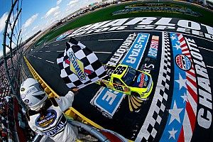 Matt Crafton cruises to second consecutive Truck win