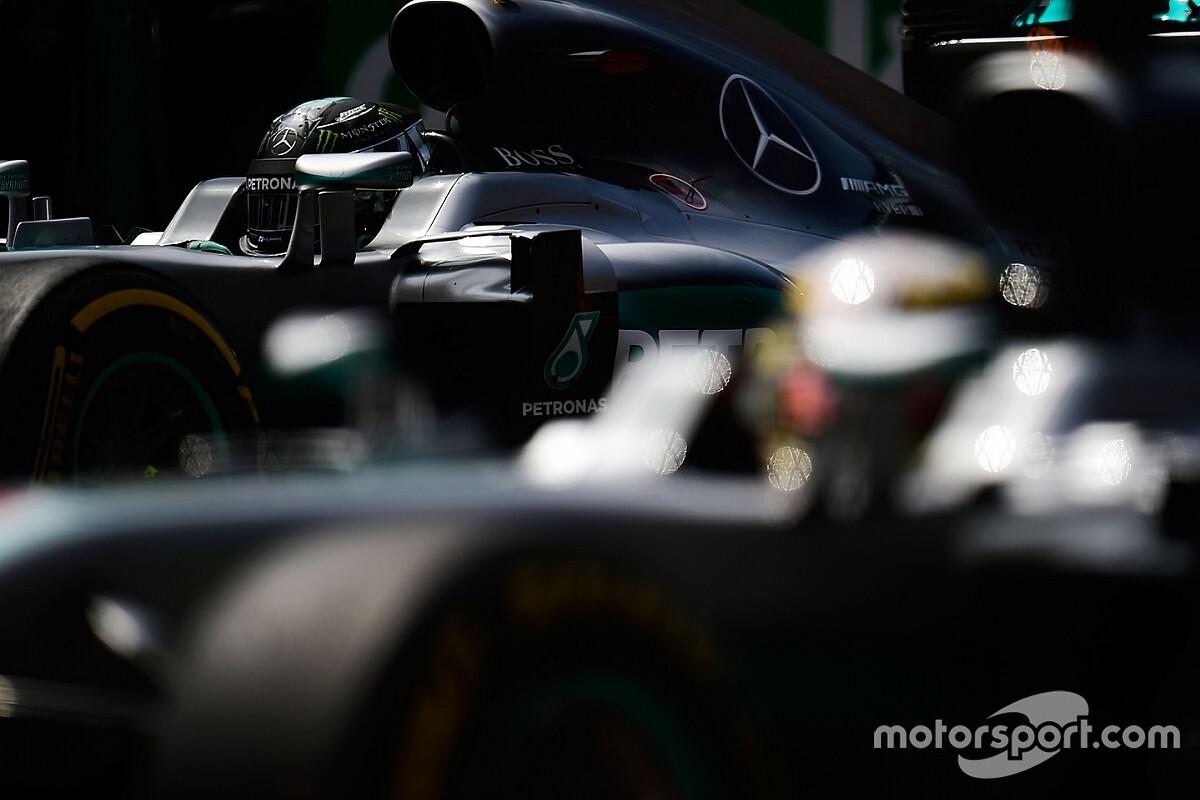 Ezért kapott ki Hamilton Rosbergtől