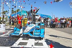 IndyCar explains no-call on Pagenaud's pit exit