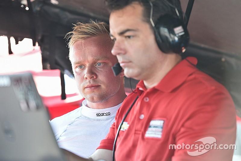 Розенквист провел вторые тесты на машине IndyCar