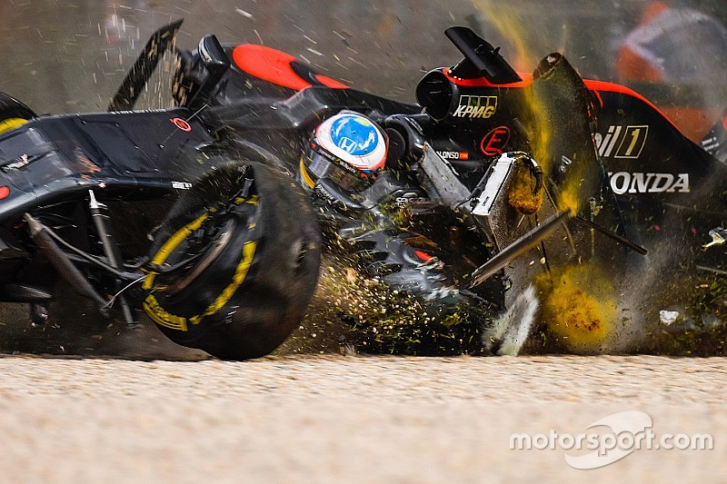 Formel-1-Unfall in Melbourne: Sitz von Fernando Alonso mit Riss