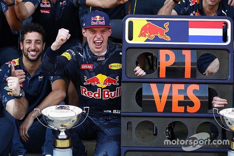 Ziggo Sport herhaalt zondag eerste F1-zege Verstappen