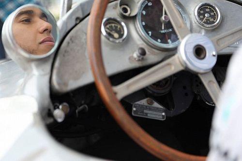 Хэмилтон решил остаться с Mercedes и после Ф1