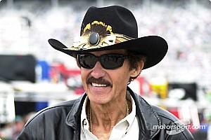 TOP-10: Os maiores vencedores da NASCAR em todas as categorias nacionais