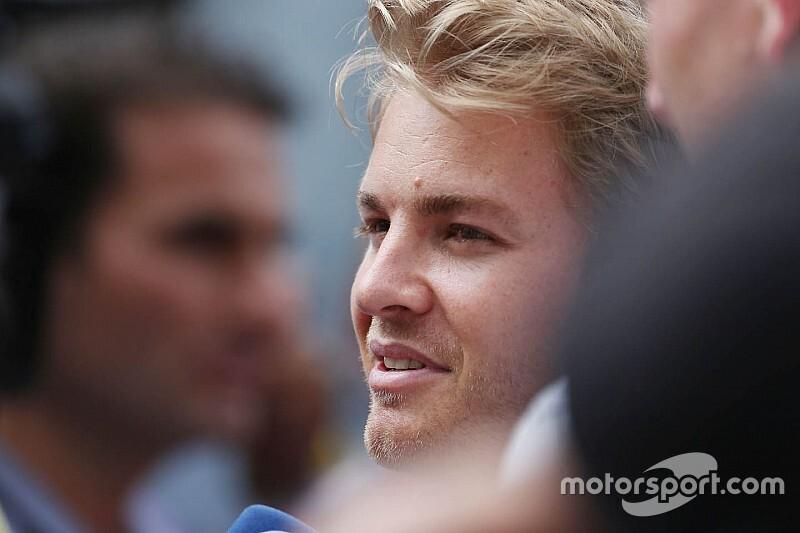 Rosbergnek sok volt a Mojito, alig bírta nevetés nélkül értékelni a Ferrarik kiesését