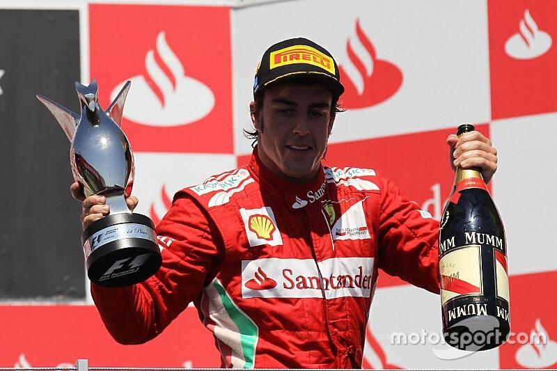 """Alonso: """"Ferrari'ye dönüşü konuşmanın vakti değil"""""""