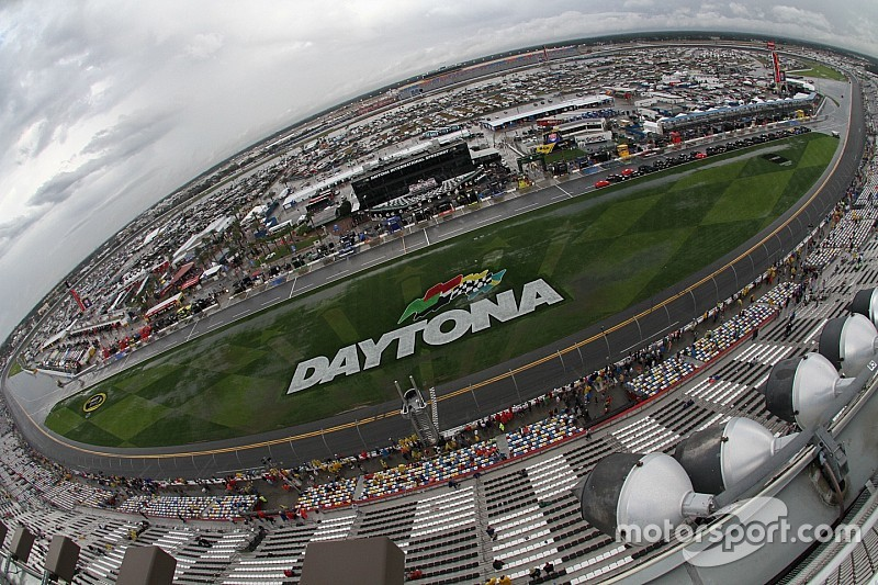 Rain forces NASCAR to postpone Daytona Cup race