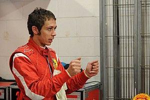 «Раньше они брали уже готовых пилотов». Росси похвалил Ferrari и Леклера