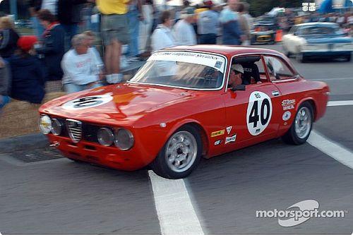 10 automóviles icónicos, con diseño de faros redondos