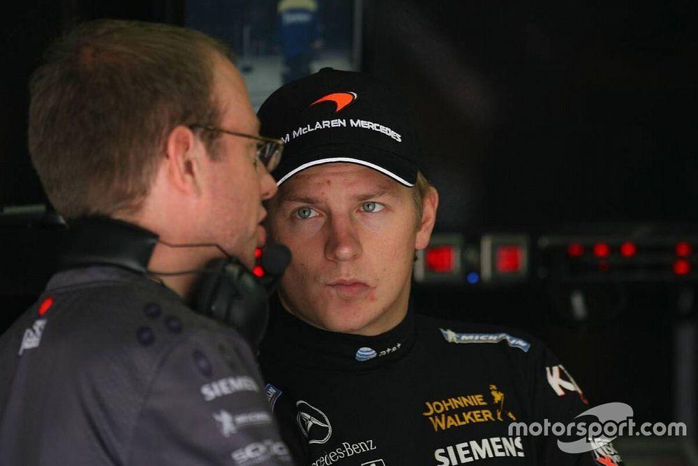 La broma de un mecánico al 'pitufo' Raikkonen que casi acaba mal