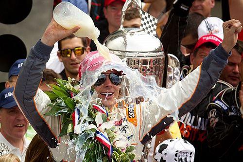 Retro: Wheldon wint tweede Indy 500 na zinderende ontknoping
