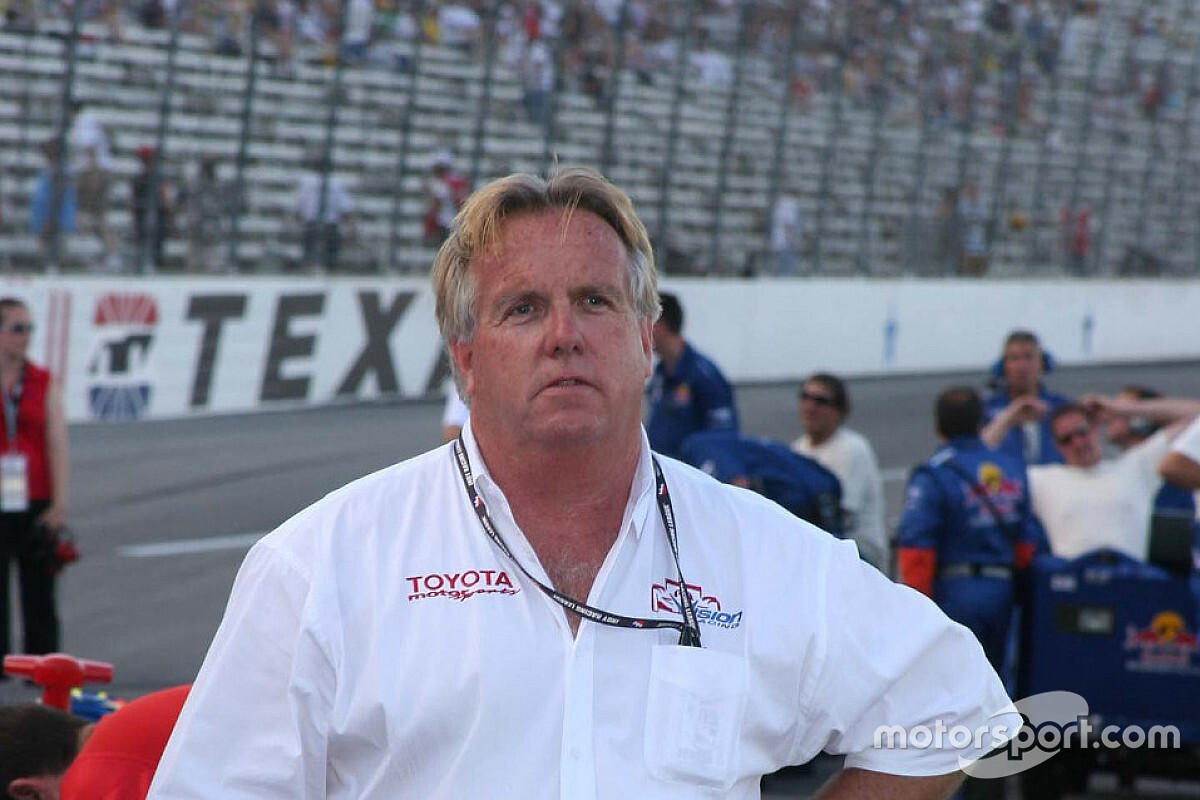 Veteran IndyCar team manager Larry Curry dies aged 68