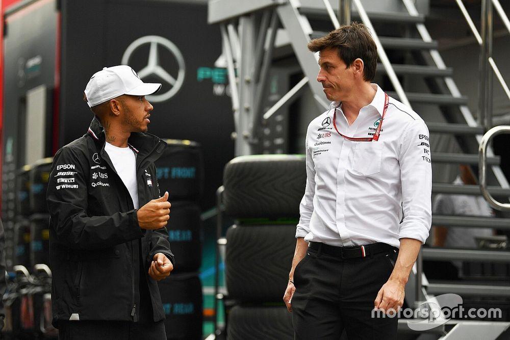 Hamilton é contra chefe da Mercedes assumir a gestão da Fórmula 1