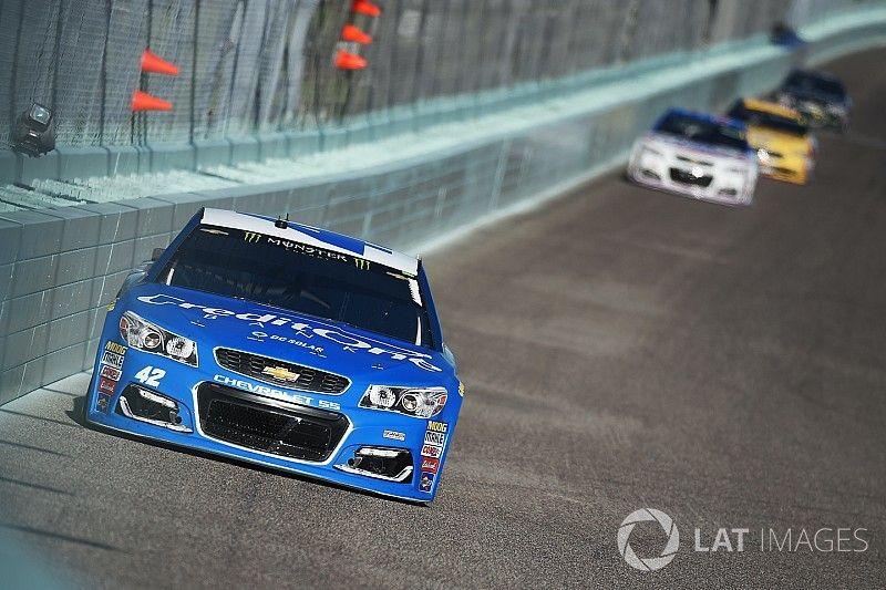 Larson dominates Stage 2, Truex takes championship lead