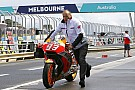 MotoGP P1 en crash voor Marquez in natte derde training GP Australië