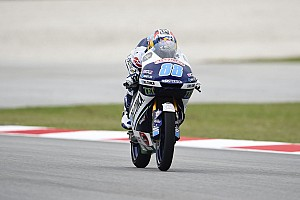 Moto3 Prove libere Sepang, Libere 3: Martin svetta con la pista che va asciugando