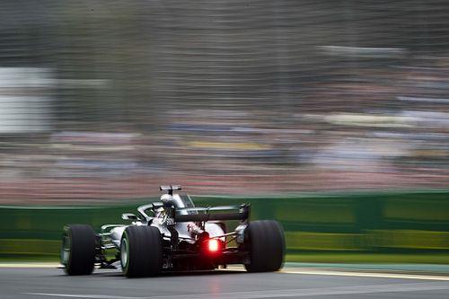 Hamilton közel a tökéleteshez, Vettel letekert Mercedest remél