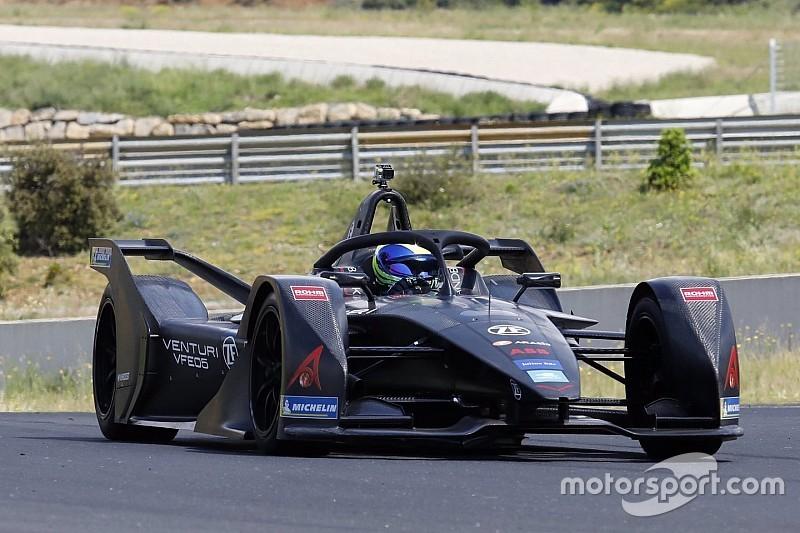 Масса проехал 800 км на тестах новой машины Формулы Е