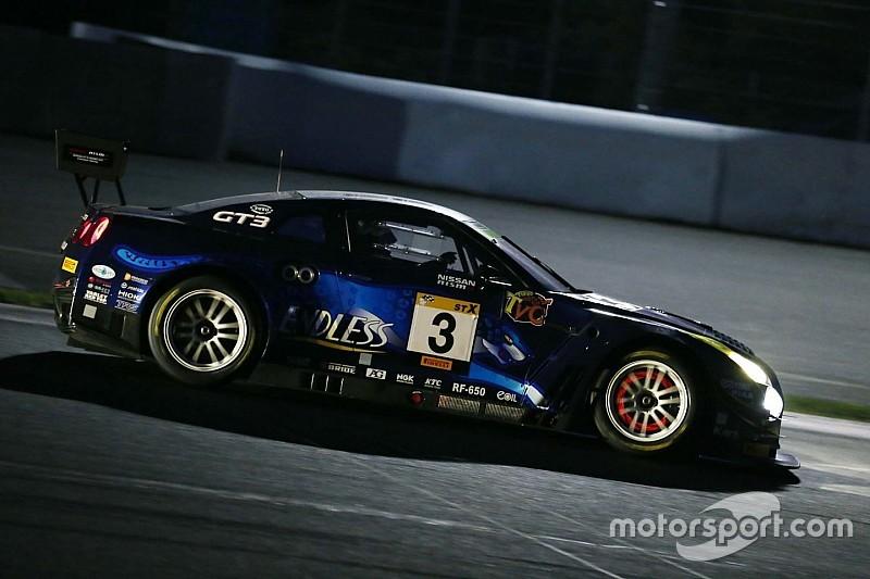 富士24時間レース、夜明けに波乱。3号車GT-Rにトラブル発生
