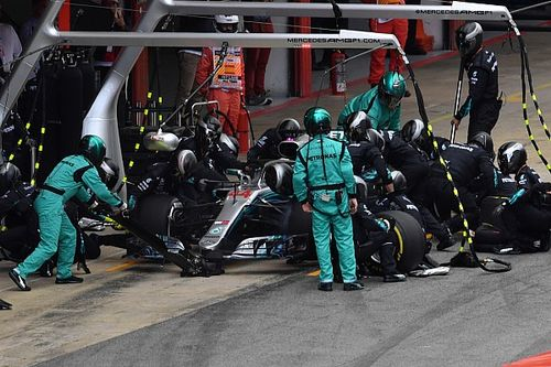 """Pirelli justifica los cambios: """"Si no, habría sido una lotería"""""""