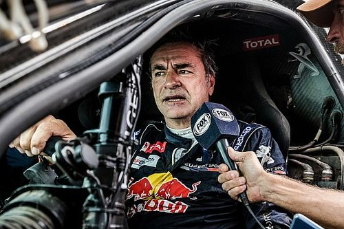 """Dakar, Sainz predica pazienza: """"Non è facile amministrare evitando rischi"""""""