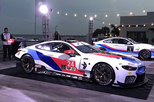 2018 BMW M8 GTE'nin renk düzeni tanıtıldı