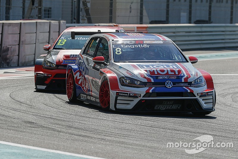 Il fulmine Engstler conquista la pole position a Dubai